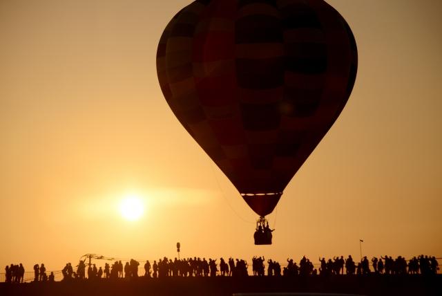 物理の熱気球の問題には『密度の状態方程式』を適用せよ